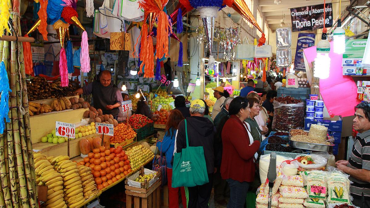 Aumentan los mexicanos que no pueden comprar la canasta básica