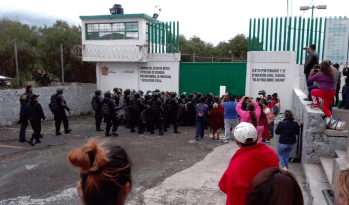 Agentes frenan intento de motín en penal de Texcoco