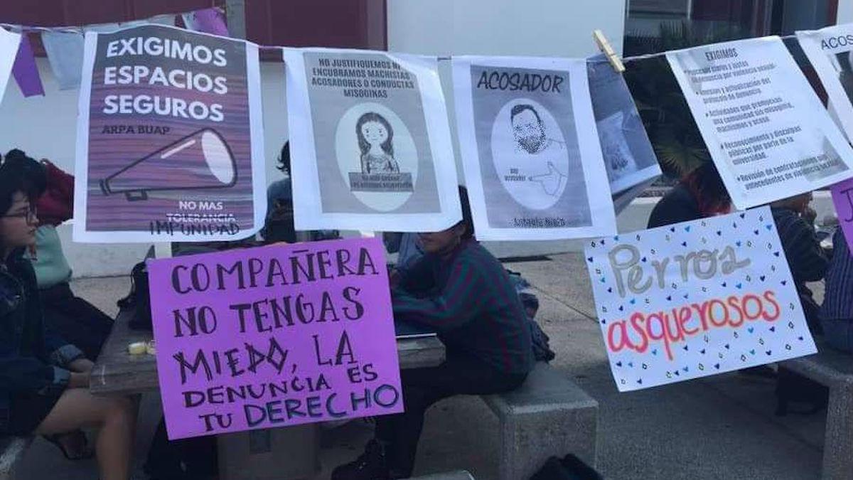 Alumnas alzan la voz contra el acoso en universidad de Puebla