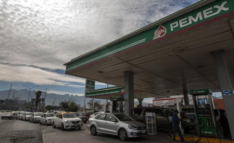 Fitch Ratings considera insuficiente plan de rescate para Pemex