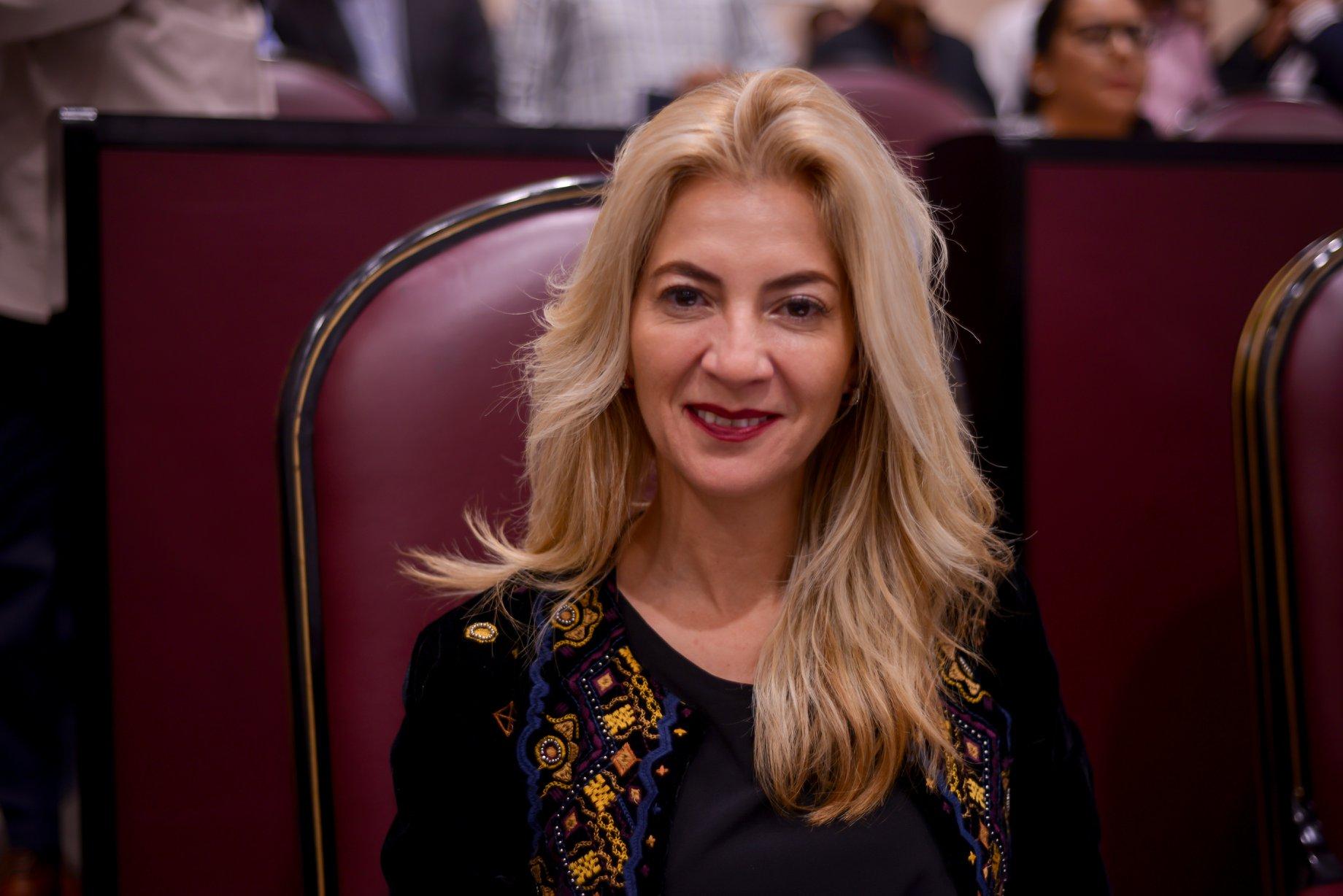 Diputada propone toque de queda a mujeres para prevenir feminicidios 🤦♀